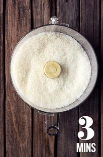 ریختن نارگیل در غذاساز مولینکس