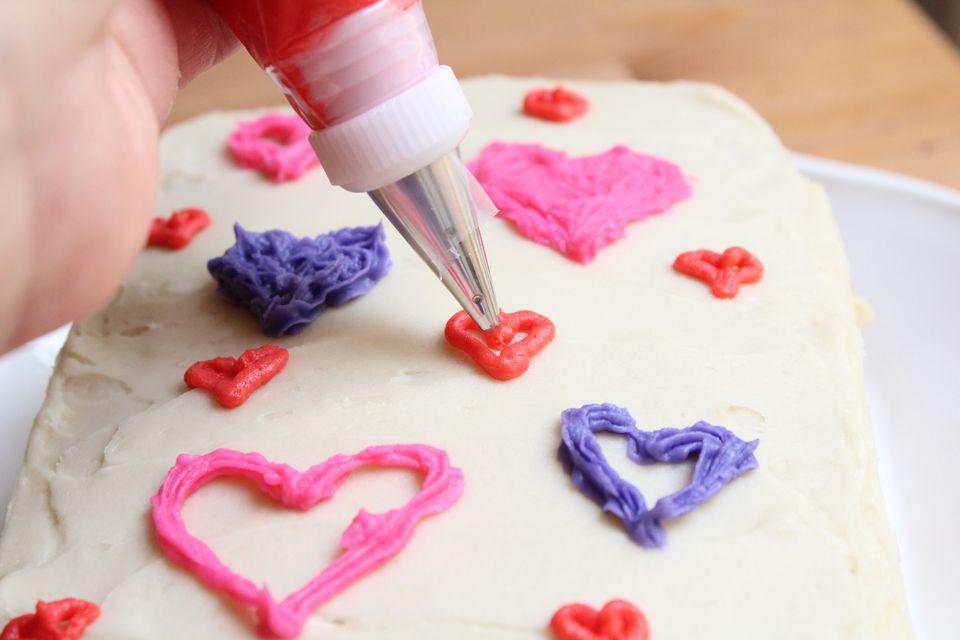 تزئین کردن کیک